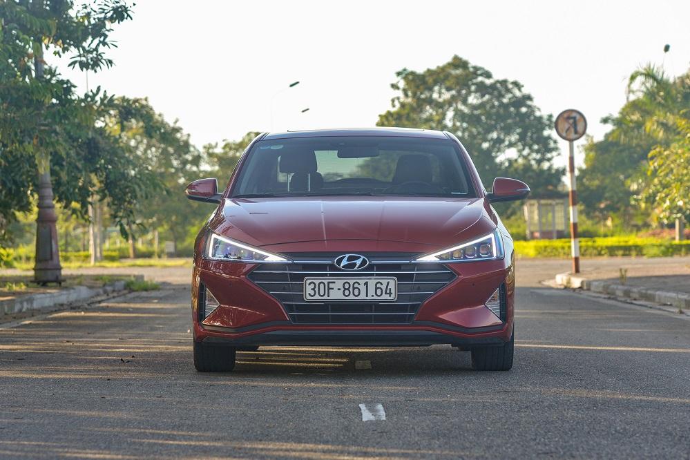 Hyundai Elantra Facelift: Sự đổi thay đáng giá